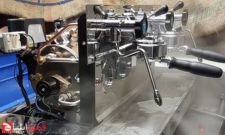 راهنمای نصب و راه اندازی اسپرسوساز در کافه