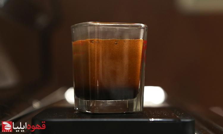 یک شات قهوه اسپرسو