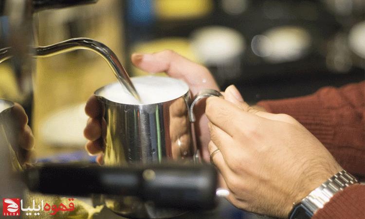 طرز تهیه کف شیر با پیچر
