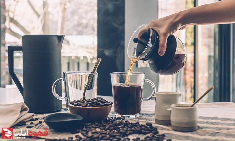 آیا زنان باردار و مادران شیرده مجاز به نوشیدن قهوه هستند؟