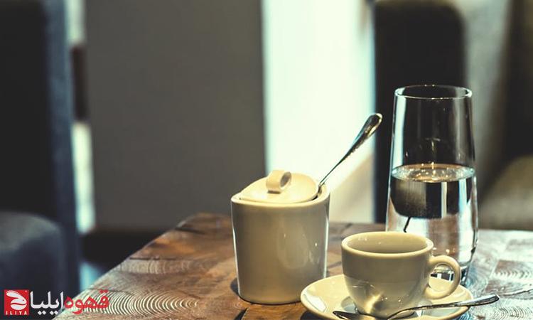 افزودن شکر به قهوه از نظر حرفهای ها