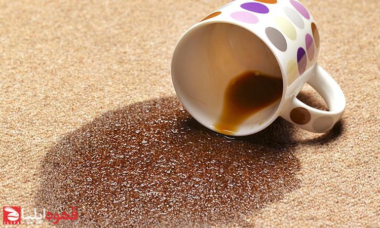 بهترین روش برای تمیز کردن جرم های قدیمی قهوه از فنجان و قوری